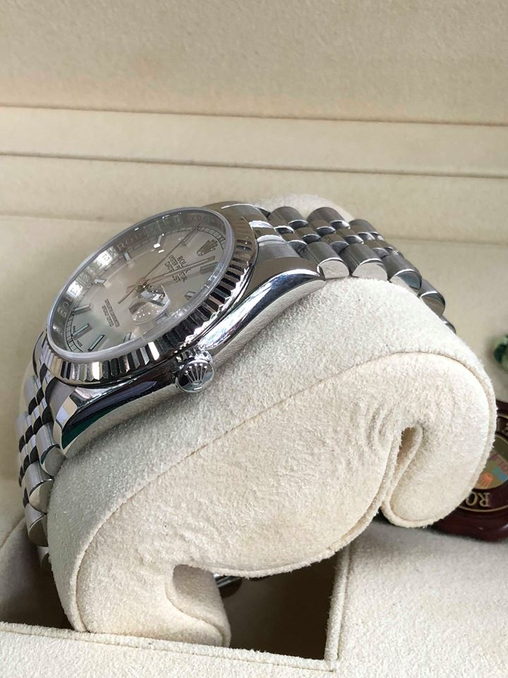 Dong ho Rolex 116234 mat trang tia cuc dep