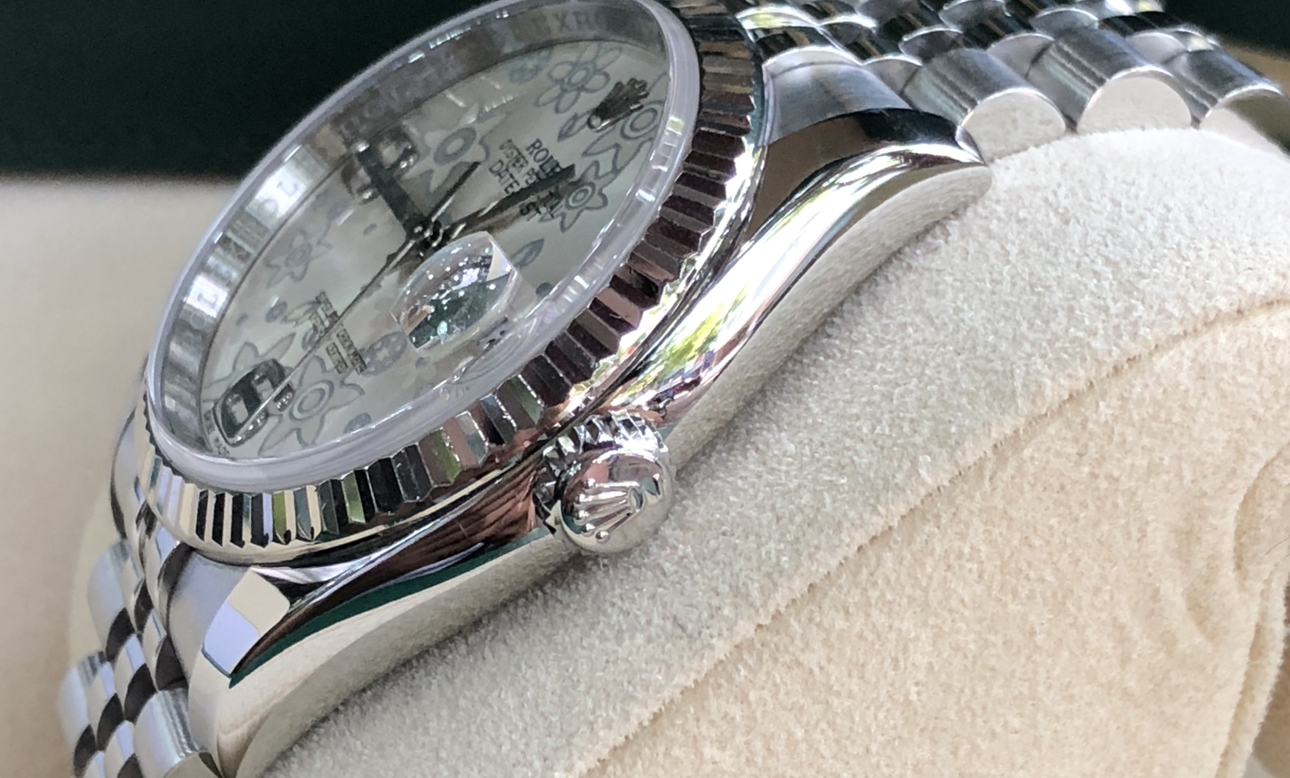 Rolex 116234 mặt ngọc trai cọ số 69 sản xuất năm 2011