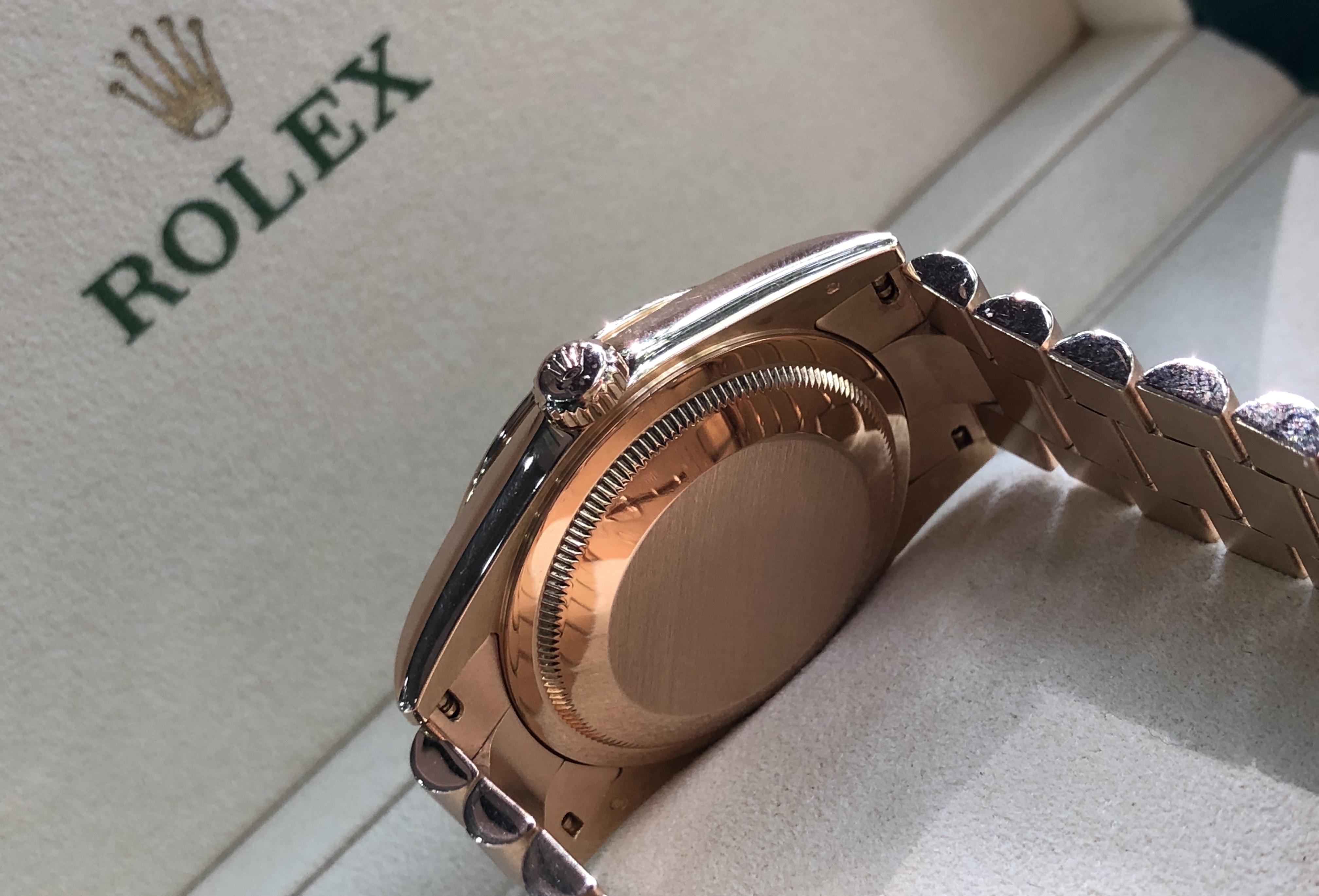 Rolex Day-date 118205 vàng khối 18k sản xuất năm 2003
