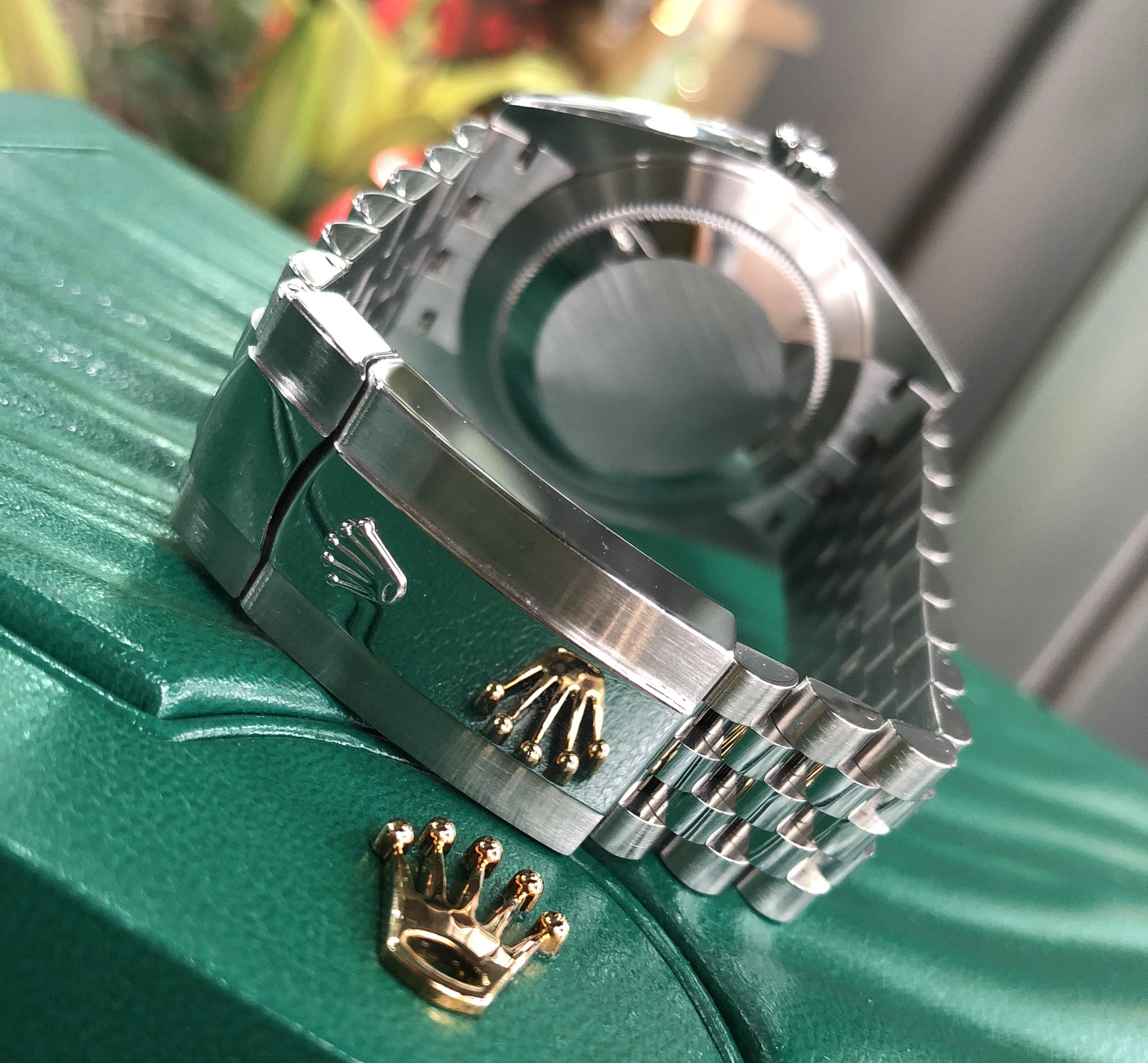 Rolex 126300 mặt đen chất liệu thép đời 2017/2018