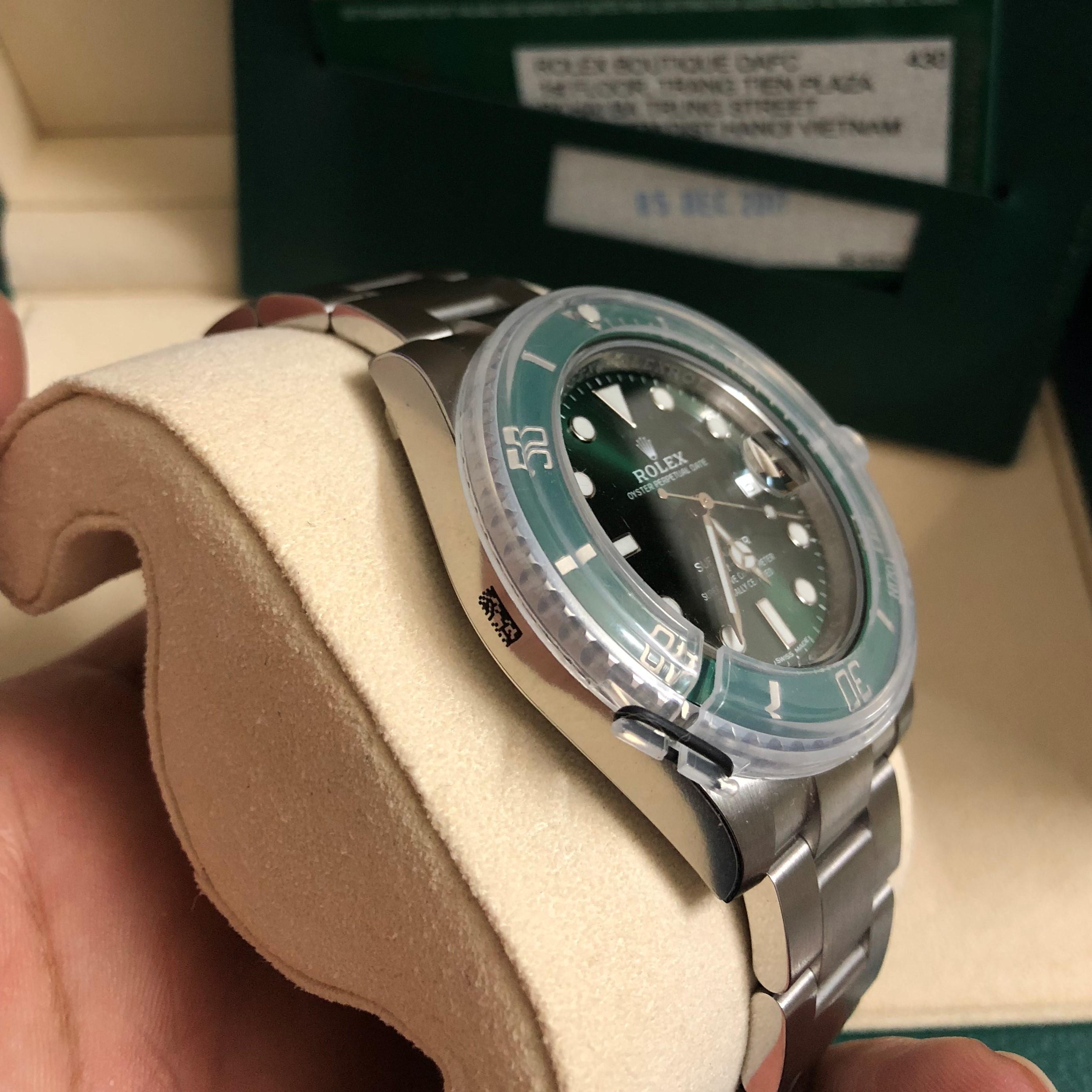 Rolex Hulk 116610 mặt xanh lá Size 40mm Fullbox 2017 - New