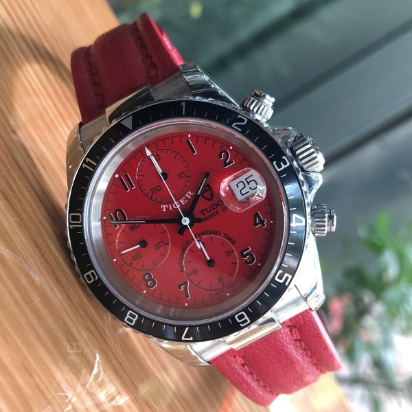 tudor-prince-date-tiger-woods-79260p-chronograph-red-dial-stainless-steel