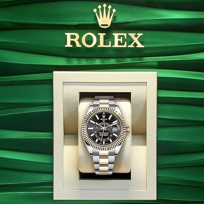 Rolex sky- dweller 326933 mặt đen demi vàng 18k Fullbox 2017