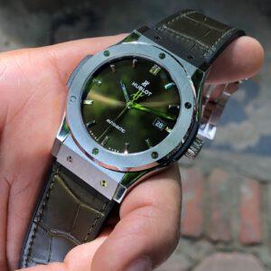 Hublot Classic Fusion 542.NX.8970.LR mặt xanh lá Size 42mm